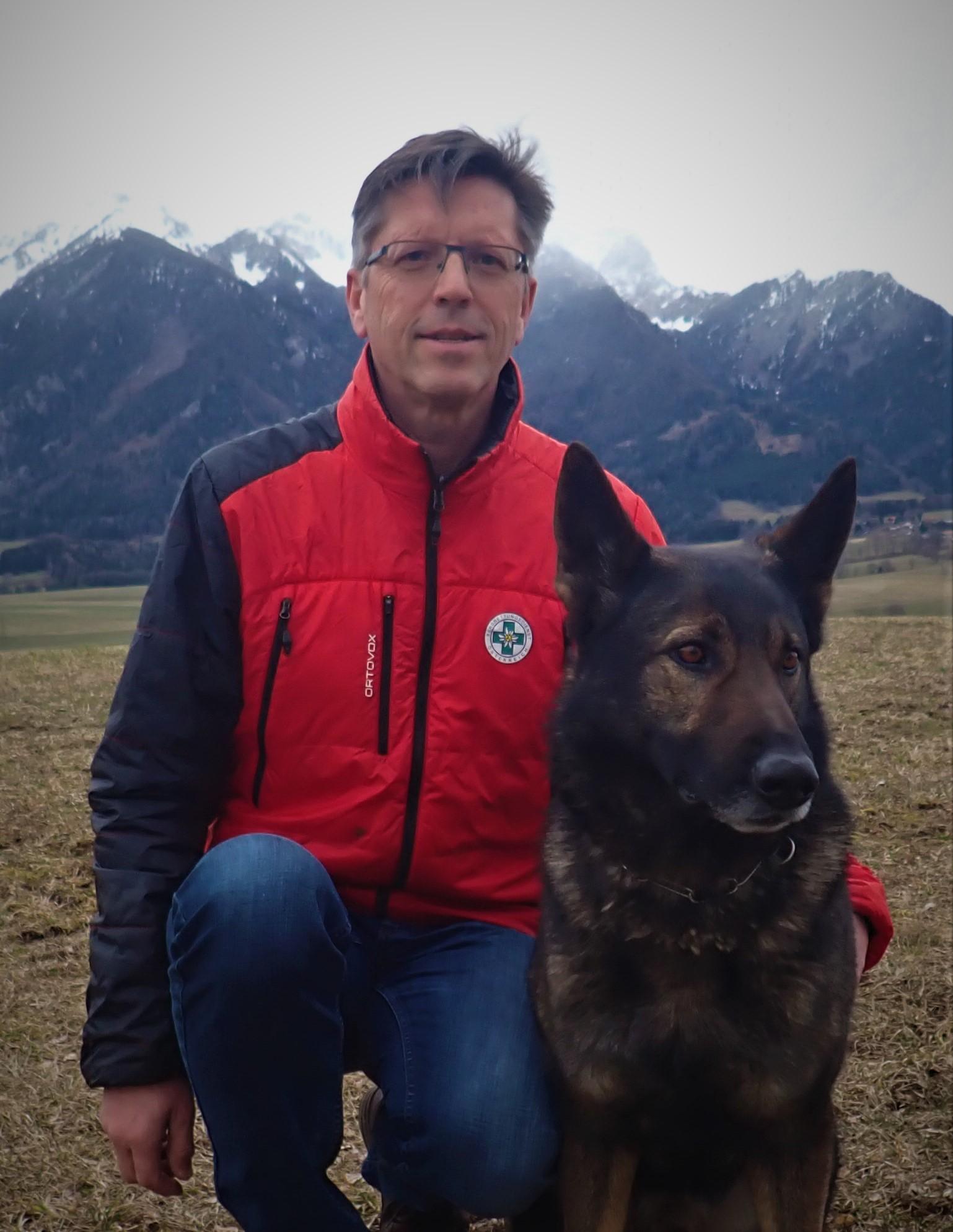 Neuer Bundesreferent für Lawinenhunde