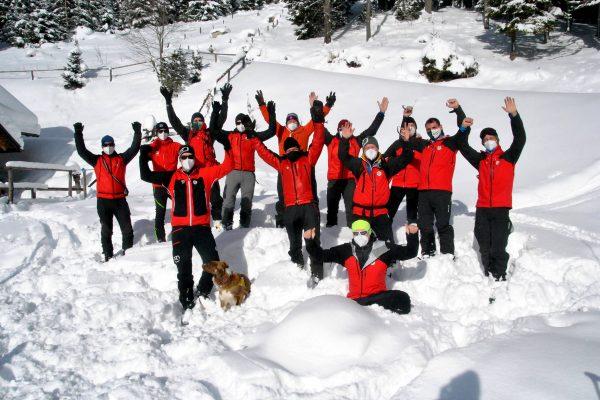 bergrettung-steiermark-bergretter-ausbildung-winter-2021-(c)-Markus_Hackl-1)